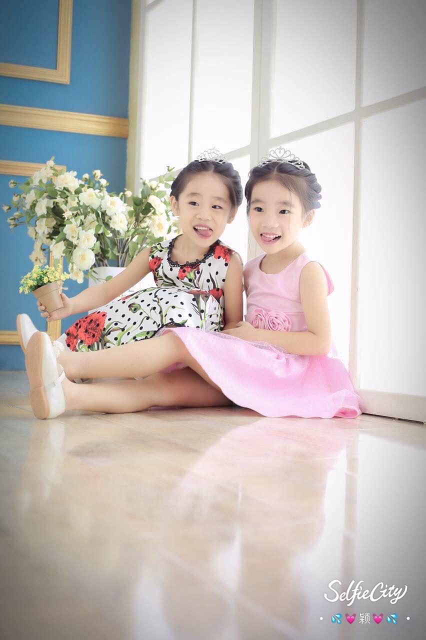 来听5岁的可爱双胞胎小姐妹-妹妹董珈彤讲故事: 宝宝小时候